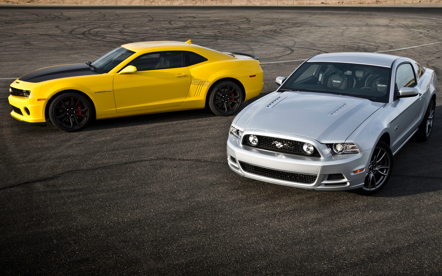 2013 Chevrolet Camaro Ss 1le Vs 2013 Ford Mustang Gt