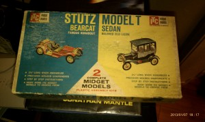 This is a 1963 model kit of a Stutz Bearcat and a Model T