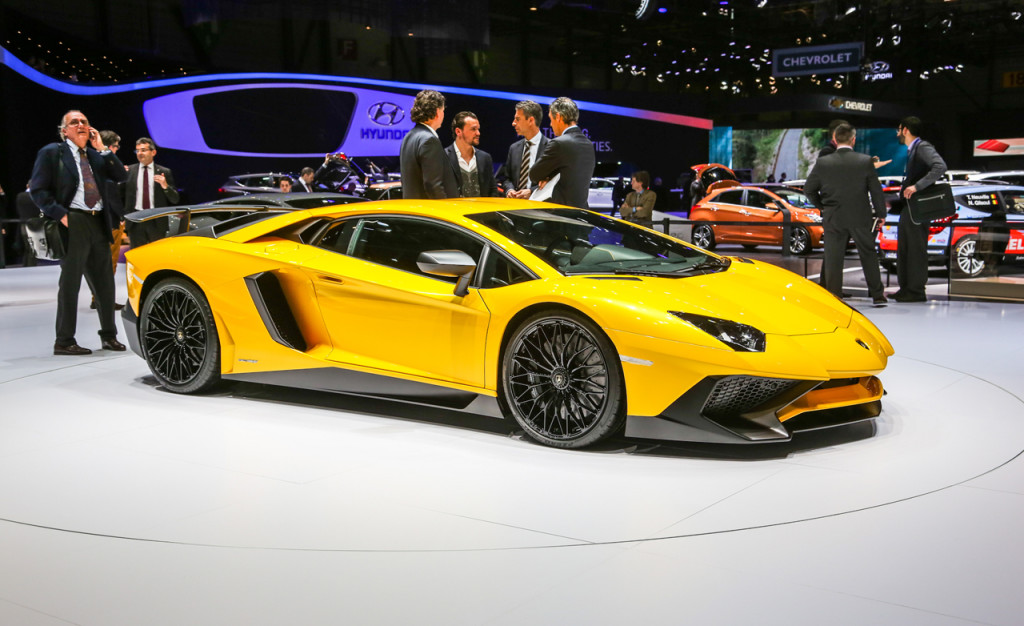 2016-lamborghini-aventador-sv-photos-and-info-news-car-and-driver-photo-656905-s-original